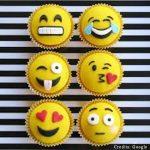 Funny Emoji Cupcakes pune