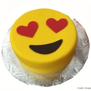 Happy Heart eyes Cake Pune