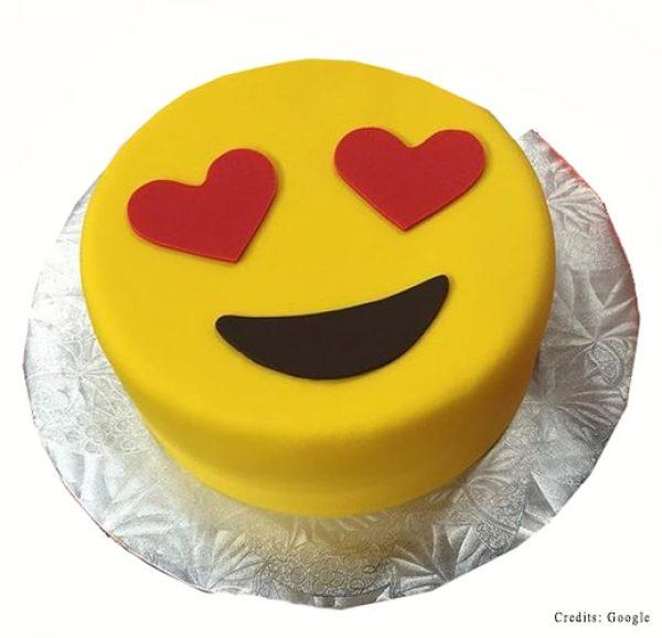 Happy Heart eyes Cake Pune