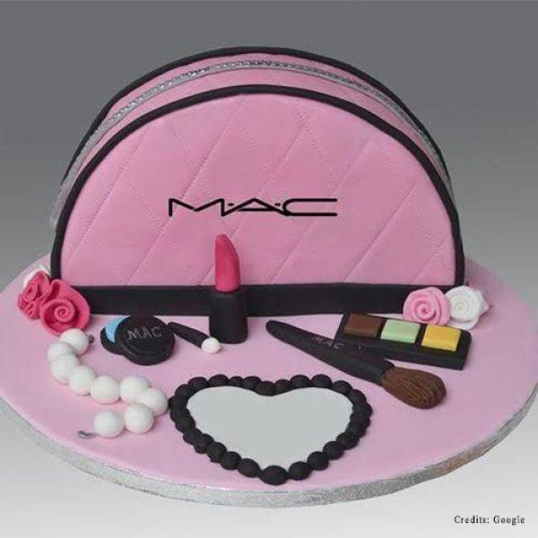 MAC Makeup Set Cake pune
