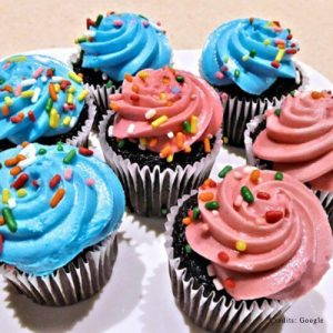 Love Couple Potty Adult Cupcakes Online Delivery In Pune