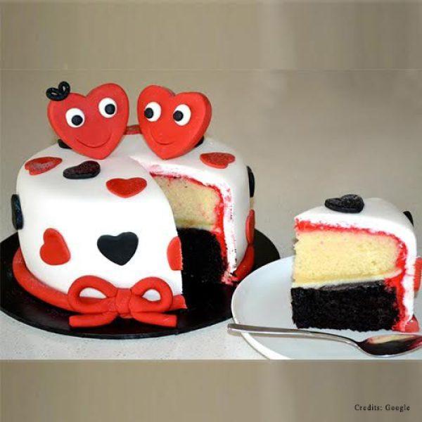 Smiling Hearts Cake pune